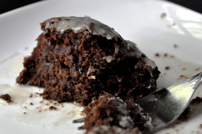Simple Chocolate Cake with Icing