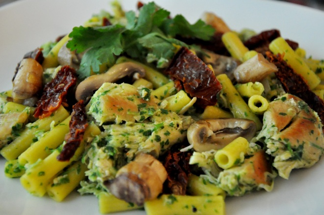 Chicken and Gluten-Free Pasta with Parsley Pesto and Sundried Tomatoes